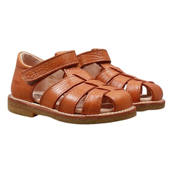 67f70ebd6877 Køb ANGULUS sandal i cognac brun flet - Parcellet.dk