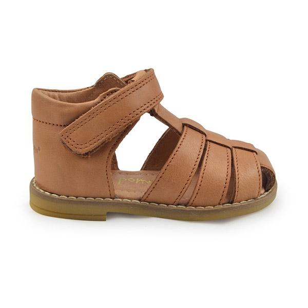 754dd25bec3c Køb camel brun flet sandal til baby fra Pom Pom her.